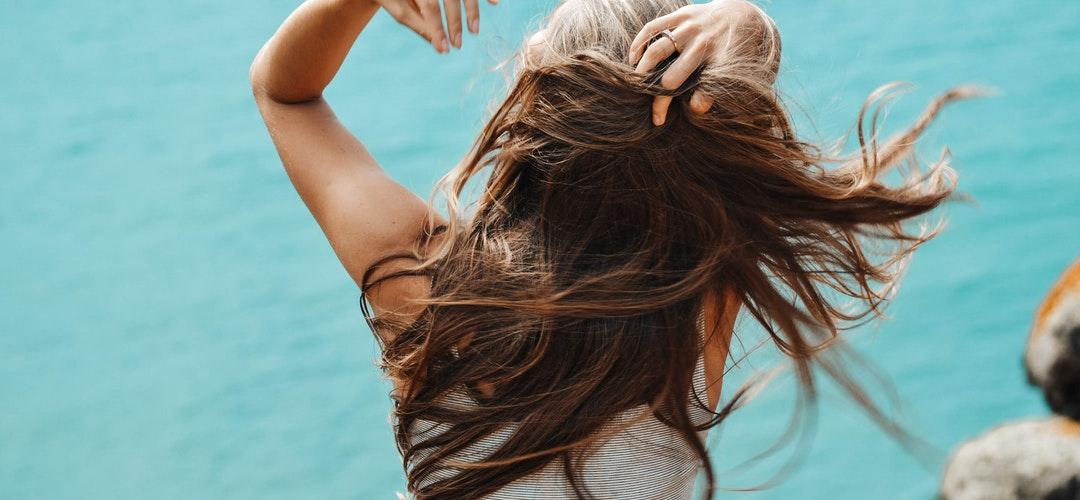 Cara Alami Merawat Rambut Rontok