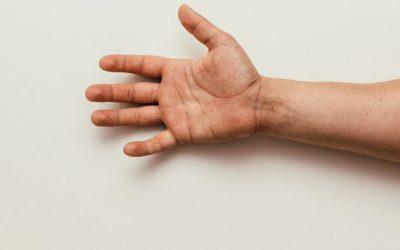 Penyebab dan Cara Mengatasi Kram Tangan